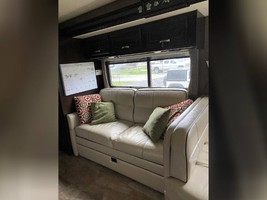 2017 THOR MOTOR COACH CHALLENGER 37LX FOR SALE IN Huntington Beach, CA 92605 image 12