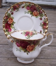 Royal Albert Old Country Roses Tea Cup & Saucer Set Mint - $29.95