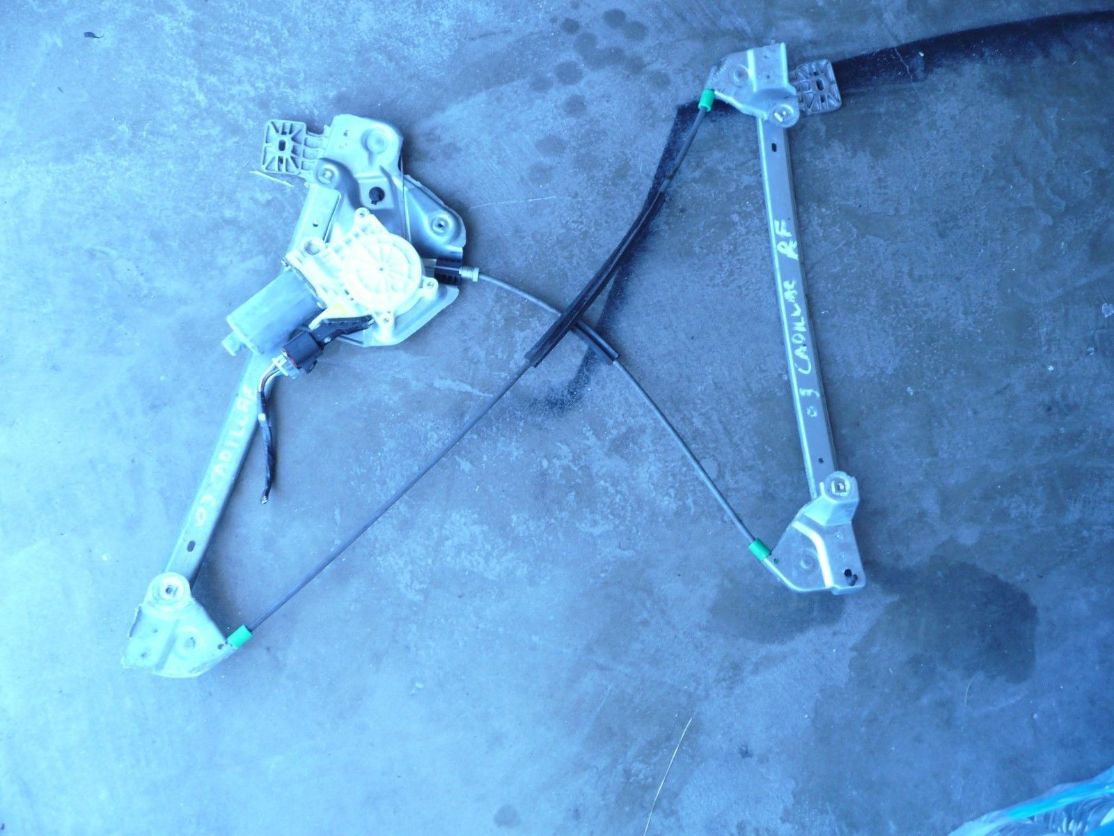 Primary image for 2003-07 CADILLAC CTS  FRONT RIGHT WINDOW REGULATOR AND MOTOR OEM Used