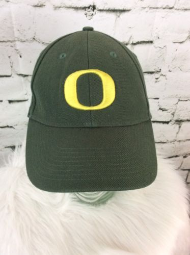 1391ac92a91ab Nike Oregon Ducks Hat Cap Strap Back U Of O and 50 similar items. 12