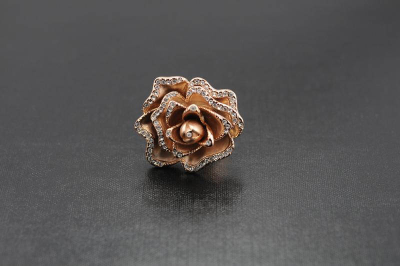 ROSE GOLD FLOWER COCKTAIL RING SIZE 7 Bonanza
