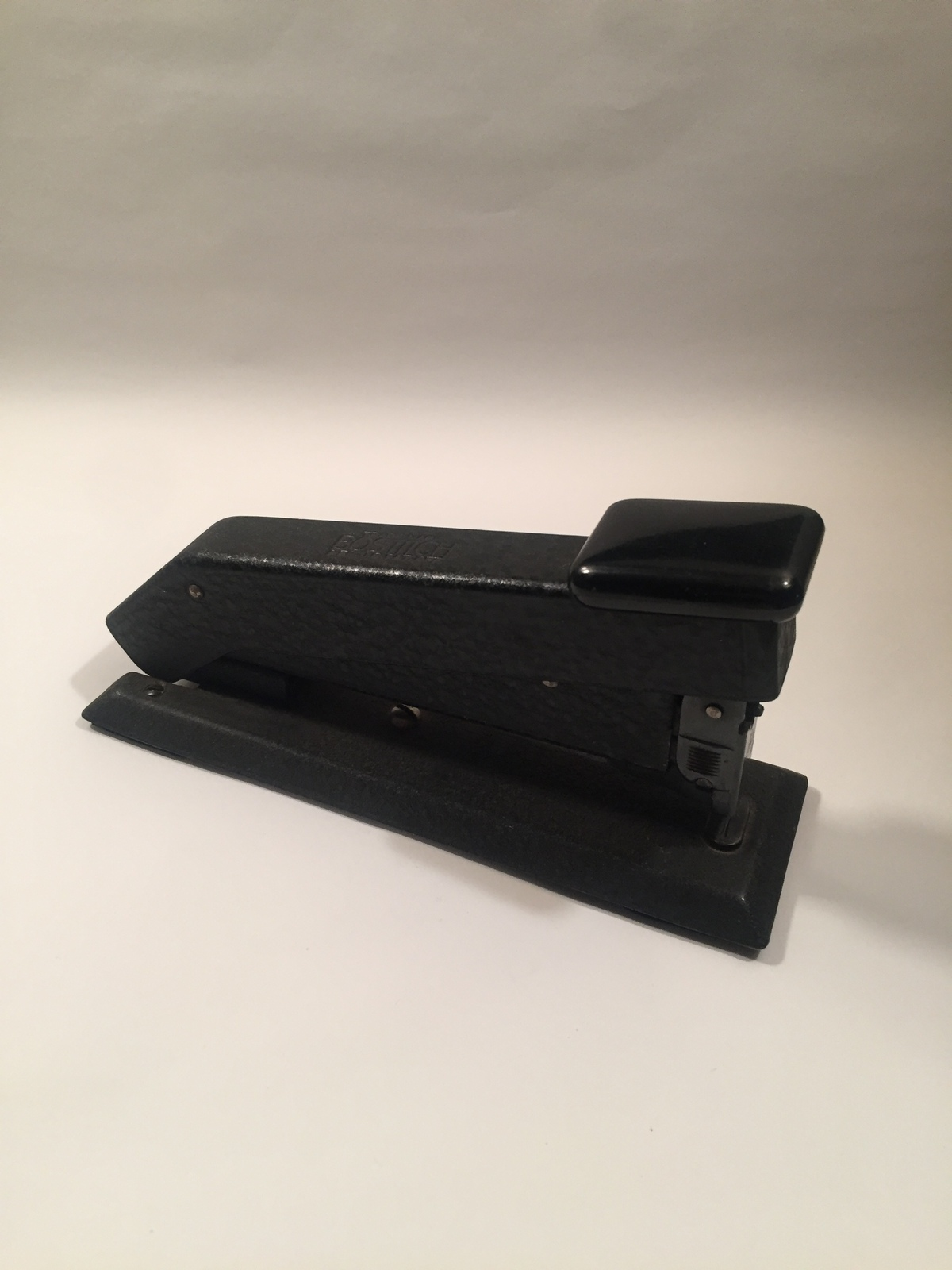 Vintage 60s Bostitch Model #B53 hammered black desk stapler