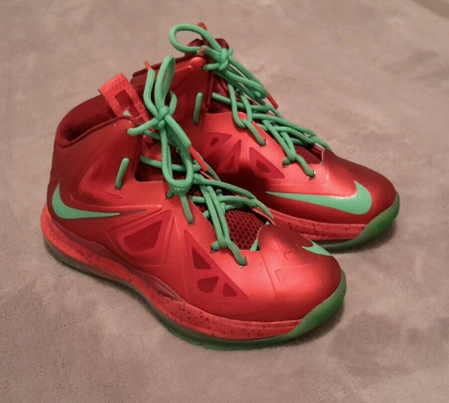 Nike Lebron Red Green Boys Size 3.5 Youth Basketball Shoes Christmas 2012 X-Mas