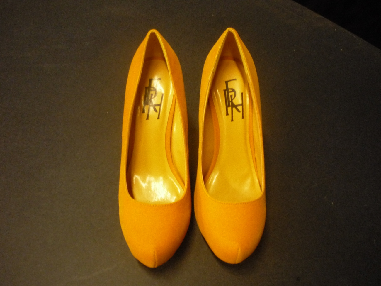 """RFH 4.5"""" High Heels Shoes in size 8"""