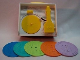 Fisher-Price VINTAGE STYLE MUSIC BOX RECORD PLAYER  w/ records 2014 TOY - $19.80