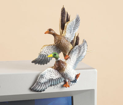 Rivers Edge Hand-Painted FLYING MALLARD DUCKS PC PAL Accessory