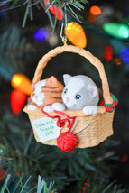Hallmark - Close-Knit Friends - Collector Series - Classic Ornament - $10.69