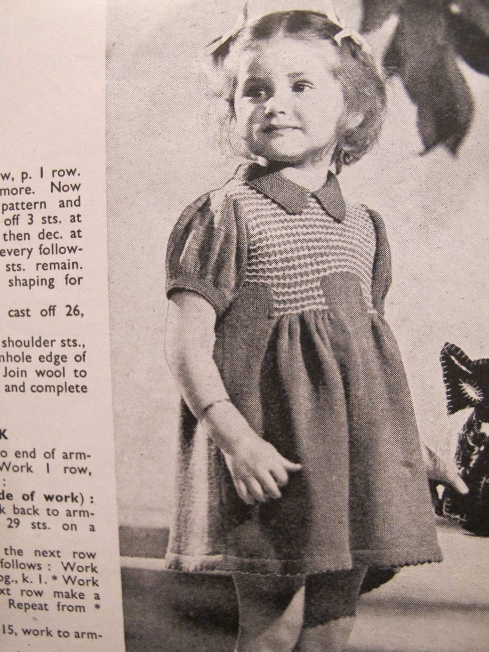 Vintage Knitting Patterns Cardigan Beret Suit TODDLERS 18 Months to 3 Years
