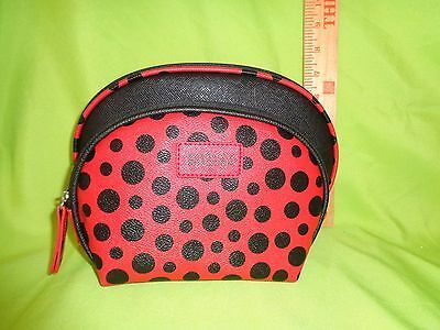 Kenneth Cole OVAL RED BLACK 2 PC REACTION NEW Travel HANDBAG Makeup Bag PURSE