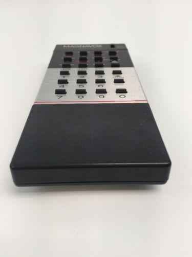 MAGNAVOX Total Remote Control VCR TV 00M0222A-BD02 MDP4