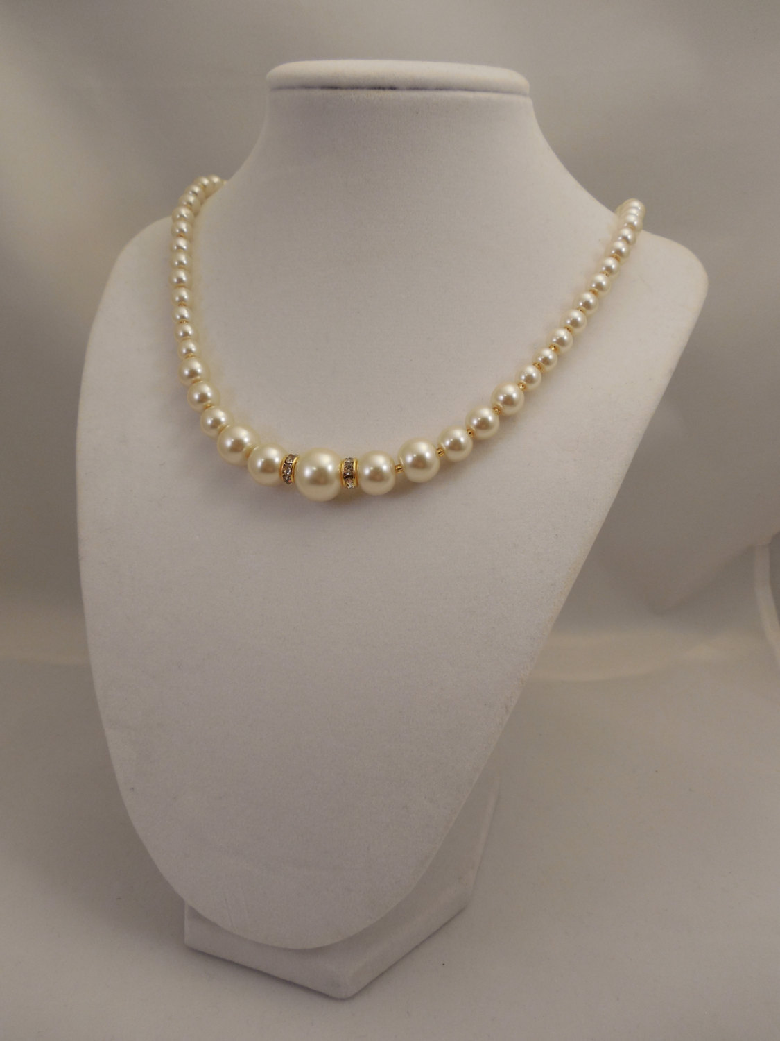 One Strand Embossing Look Cream Glass Pearl Necklace with Sparkle Spacer image 3