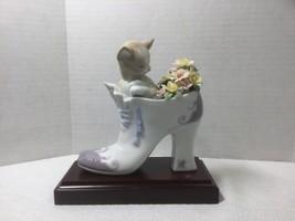 "LLADRO Spain ""A Cozy Fit"" #6743 Porcelain Sculpture on Wood Base Cat in Fancy Sh - $159.00"