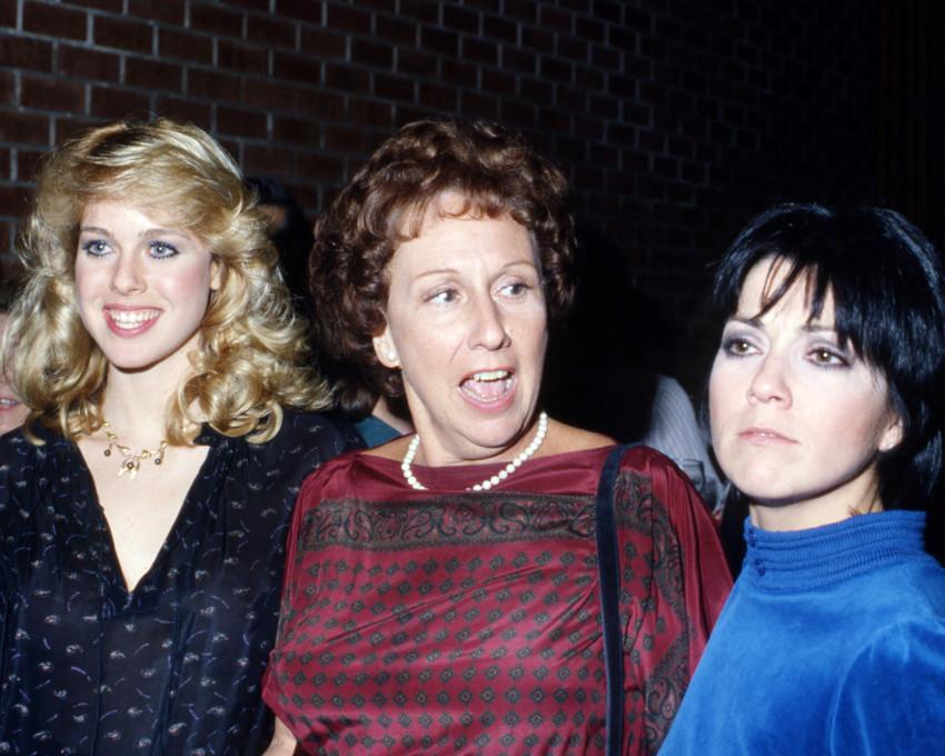 Jenilee Harrison, Joyce Dewitt Maureen Stapleton Candid 1970's All in The Family - $69.99