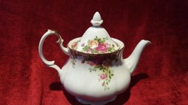 Royal Albert Bone China Old Country Roses Teapot FLAT Opening - $77.22