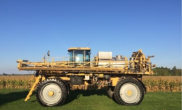 2010 AG-Chem Rogator 1184 Sprayer For Sale in Richmond, Ontario Canada K0A2Z0 image 1
