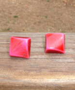 Groovy Retro Psychedelic 3D Square Cube Swirl Post Pierced Earrings - $10.00