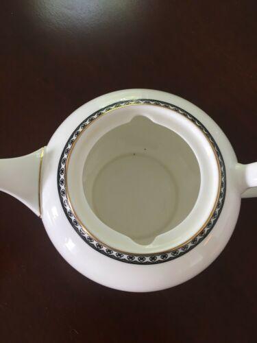 WEDGWOOD Teapot ULANDER BLACK & GOLD Bone China England