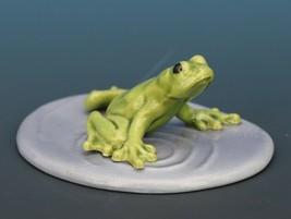 Hagen Renaker Miniature Frog Pond Medium Ceramic Figurine