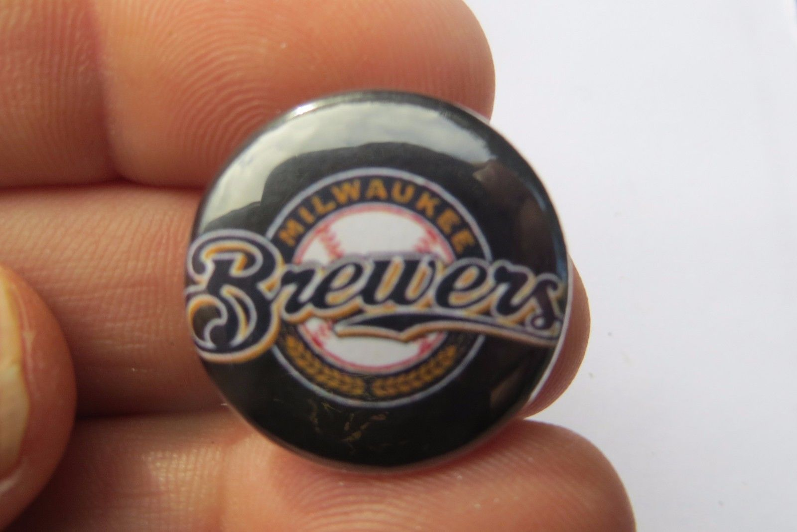 Milwaukee Brewers ,MLB baseball  collectible sports team fan pin button  image 3