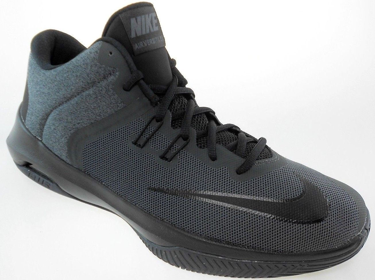 685ee44a2e40 Nike Air Versitile Ii Nbk Men s and 50 similar items. S l1600