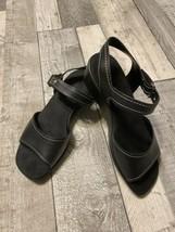 Easy Spirit Womens Black Leather Sandals Size 7 W - ESBLUESKY - $24.99