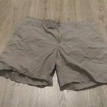 "Columbia Shorts Mens Sz 40 gray tan 8"" - $13.86"