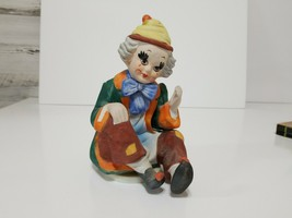 Handpainted Ceramic Bisque Musical Rotating Clown Plays Send In The Clowns - $12.07