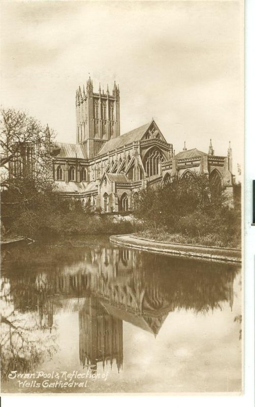 United Kingdom, Swan Pool & Reflection of Wells Cathedral unused Real Photo