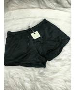 Hinge women shorts size M black  b18 - $3.99