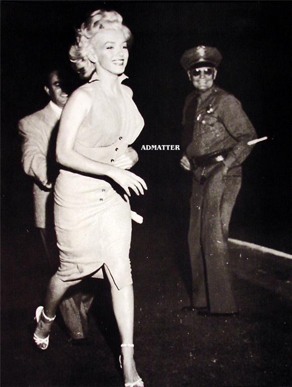 Marilyn Monroe Vintage B&W mounted Pin-up Print