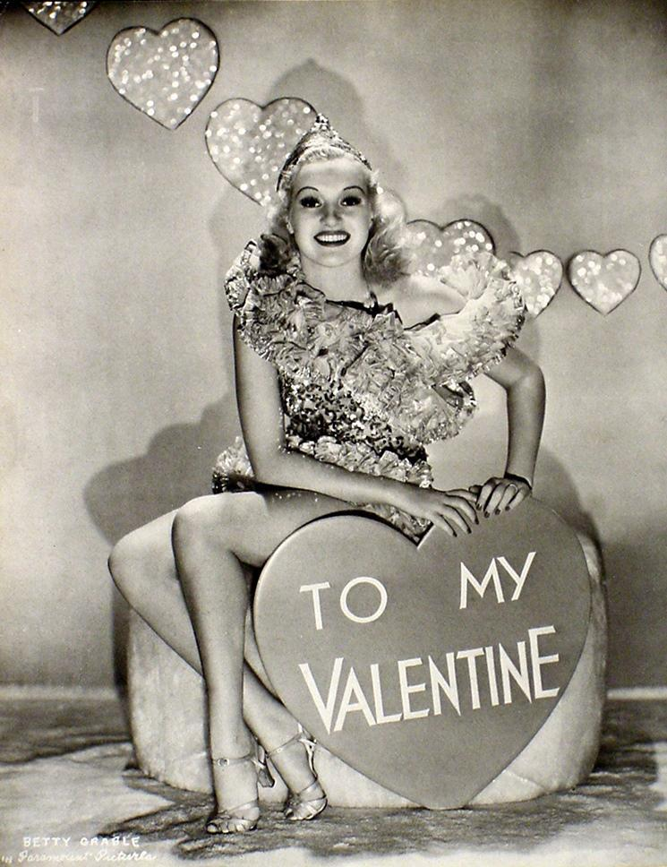 VINTAGE BETTY GRABLE TO MY VALENTINE & ANN CORIO 2-SIDED  PIN-UP PHOTO