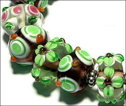 15 Lampwork Handmade Beads Glass Col: Green etc...