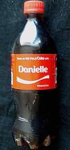 2016 Coca Cola Coke Refresco 591ml Botella de Plástico Nombre Danielle s... - $16.54