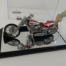 "Von Dutch Kustom (1:18) ""Dragnut"" Red Motorcycle Diecast, by Jada Toys / Loose image 3"