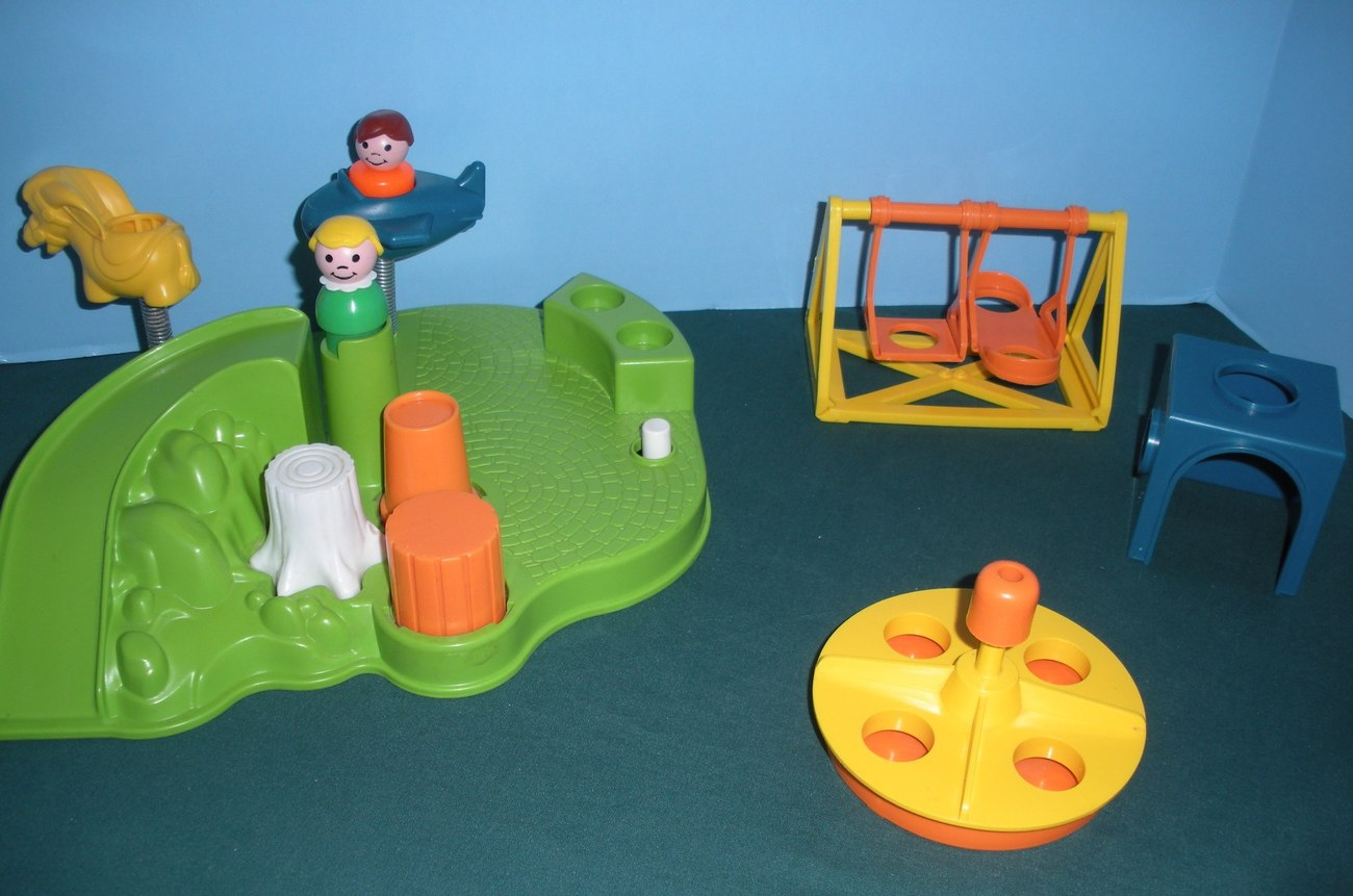 Vintage Fisher Price Little People #2525 Playground Accessory Set COMP/NR MT-MT!