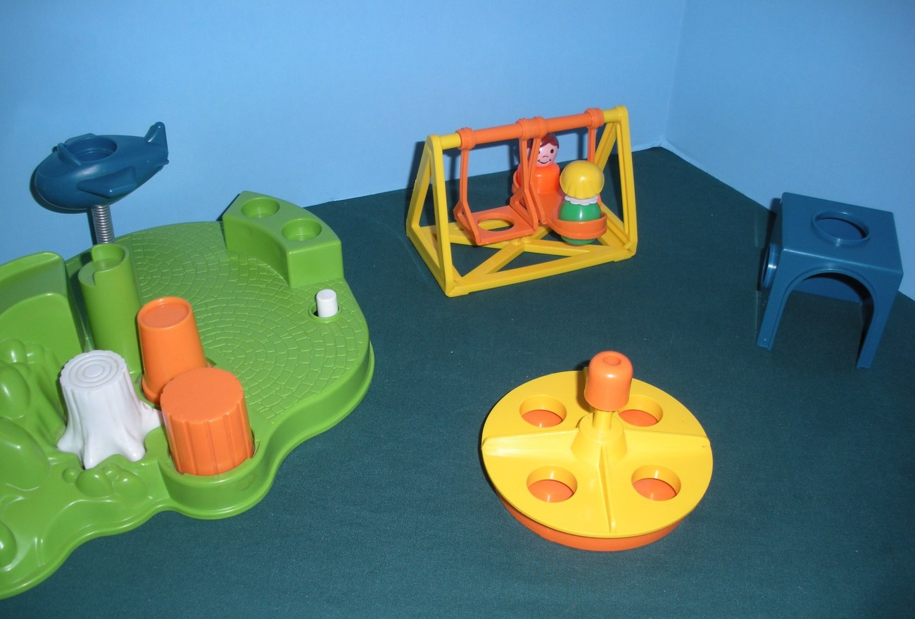 Vintage Fisher Price Little People #2525 Playground Accessory Set COMP/NR MT-MT! image 4