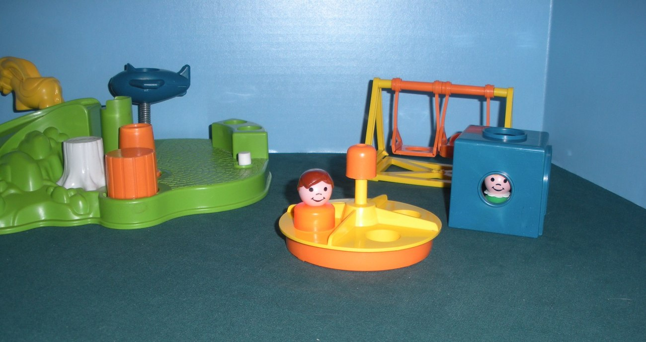 Vintage Fisher Price Little People #2525 Playground Accessory Set COMP/NR MT-MT! image 5