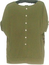 Women's Green Back Button Top Size M (8 - 10) - $9.00