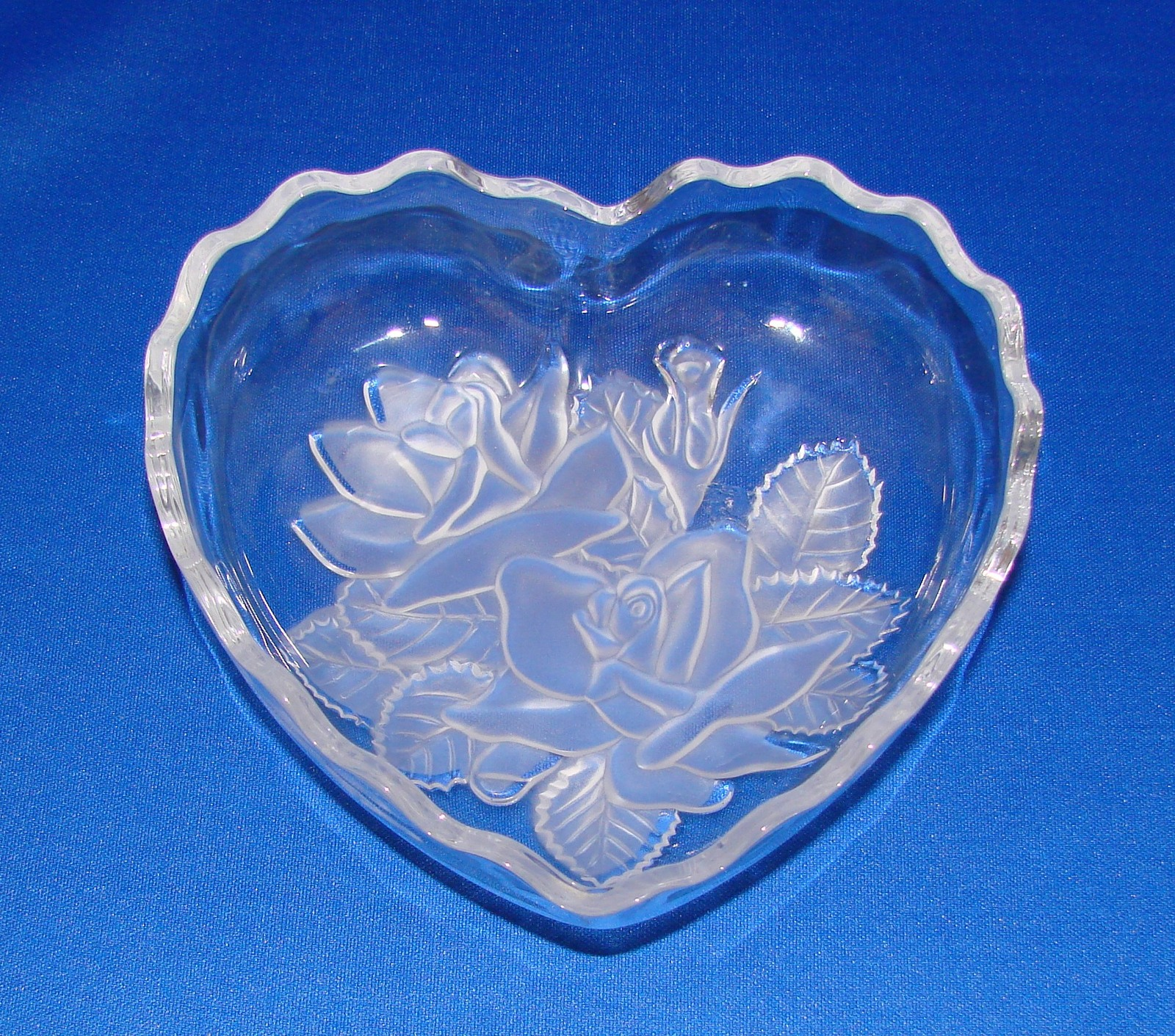 Primary image for Mikasa Embossed Flowers Crystal Heart Shaped Candy Dish