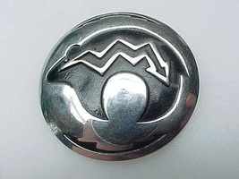 Vintage ZUNI BEAR and ARROW Brooch Pin in Sterling Silver and Black Enamel - $48.00