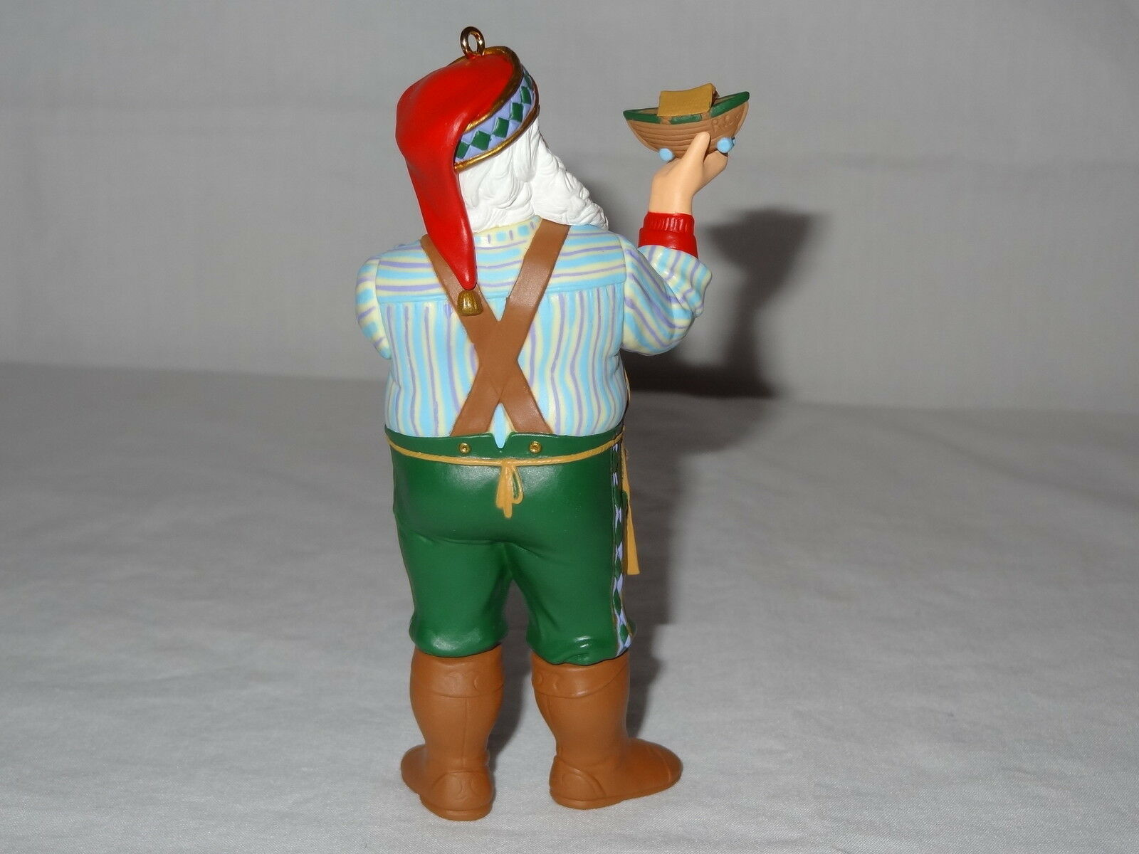 1999 Hallmark Ornaments Toymakers Gift Series Santa Keepsake Collectors Club image 3