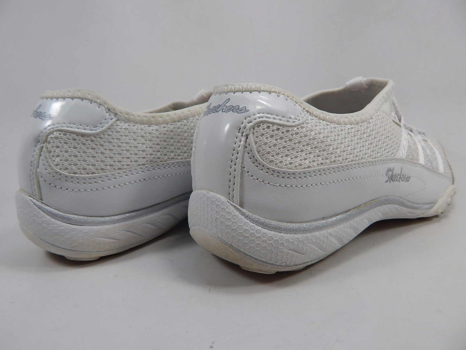 Skechers Relaxed Fit Breath Easy Relaxation Women's Shoes Size US 7.5 M (B)