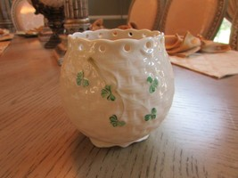 "Belleek Ireland Vase Open Lattice Rim Shamrocks Basket Weave 7TH Gold Mark 7.5"" - $24.70"