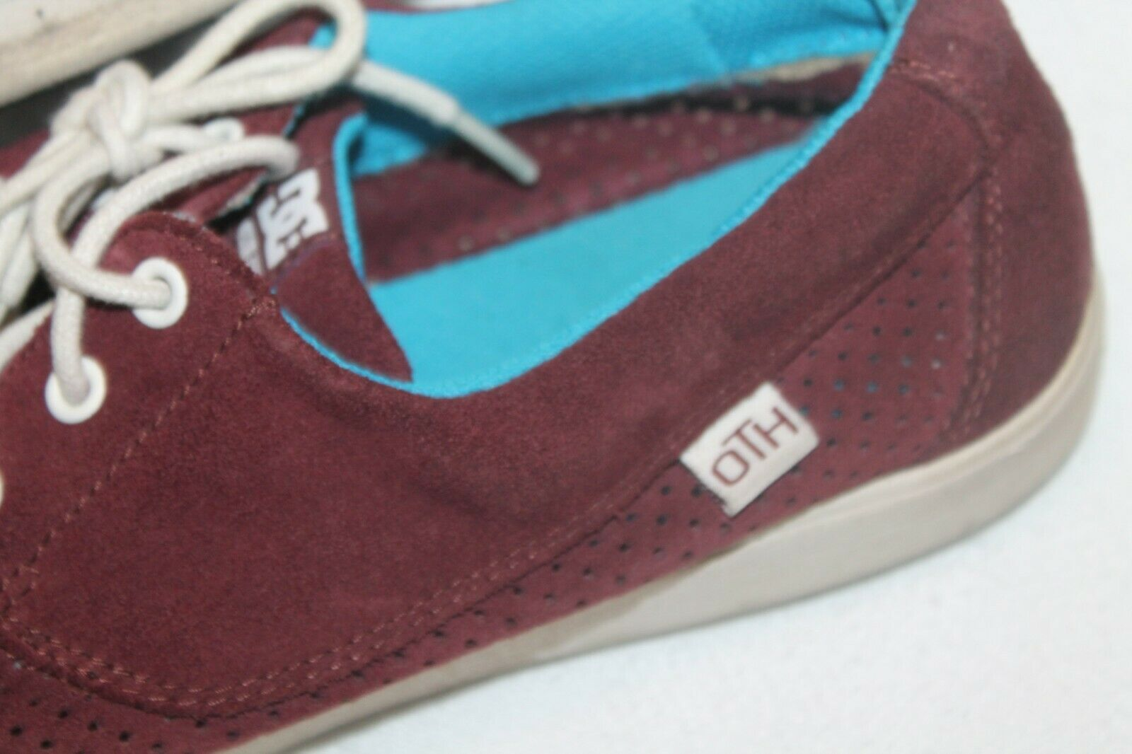 Men's OTH Pool LE Shoes 320346 DC Shoes SIZE 8 MENS burgundy perforated suede