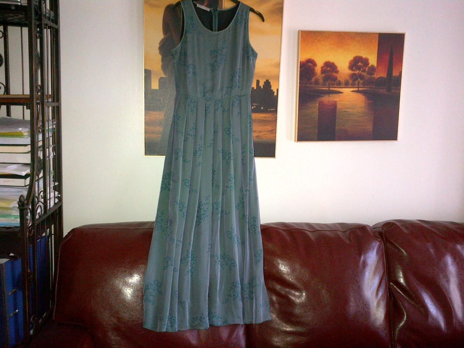 Armani silk green long dress pleated skirt  lined in silk IT 40, UK 6-8