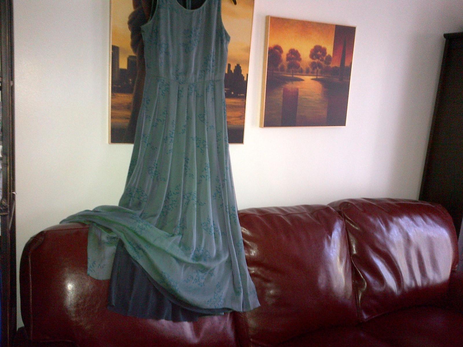 Armani silk green long dress pleated skirt  lined in silk IT 40, UK 6-8 image 6