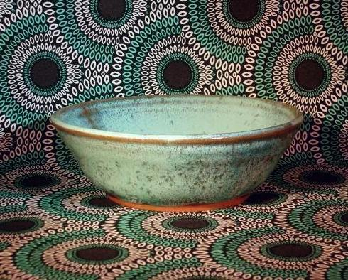 VINTAGE 1980 STONEWARE HANDMADE and SIGNED BOWL - EXCELLENT!