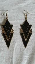 "2.5""VINTAGE Black Enameled Geometric Triangle Mod Hook Earrings,Goldtone Tin, - $4.94"