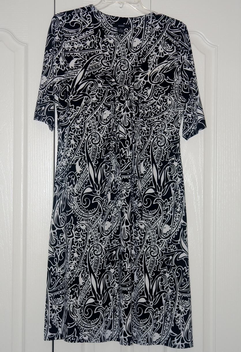 Alfani Black & White Dress size Med. Alfani