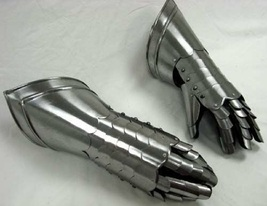 romanhandicraft AdultMedieval Finger Gauntlets in Steel Fully Wearable / theater - $85.00